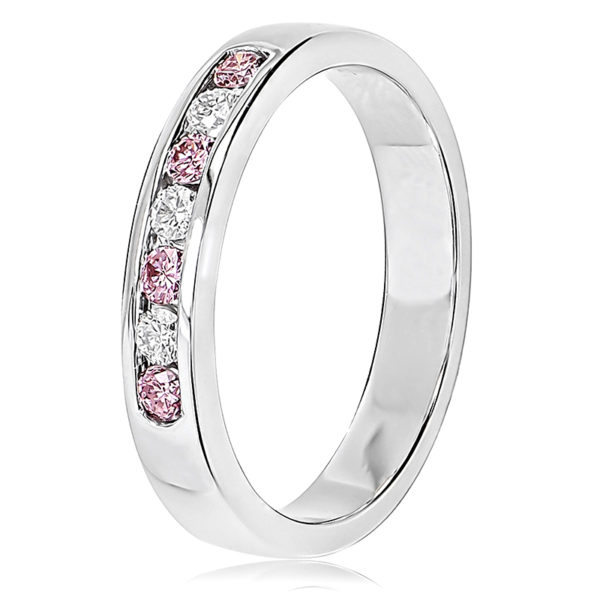Pink and White Diamond Wedder